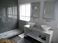 Main Bathroom - 9 square meters of property in Heritage Hill