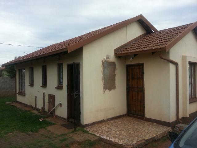 3 Bedroom House For Sale in Protea Glen - Private Sale - MR103622