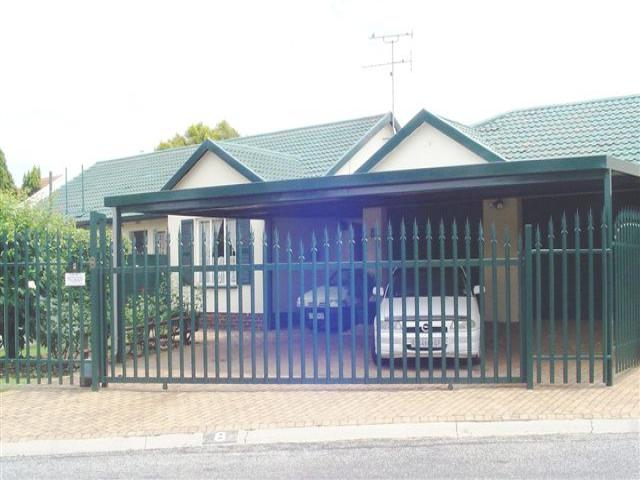 3 Bedroom House for Sale For Sale in Impala Park - Private Sale - MR103650