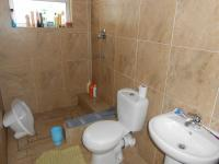 Bathroom 1 - 3 square meters of property in Walmer Estate