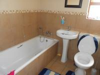 Main Bathroom - 5 square meters of property in Vorna Valley