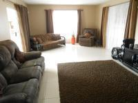 Lounges - 89 square meters of property in Dalpark