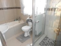 Bathroom 3+ - 2 square meters of property in Dalpark