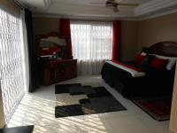 Main Bedroom - 30 square meters of property in Dalpark