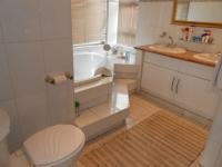 Main Bathroom - 9 square meters of property in Dalpark