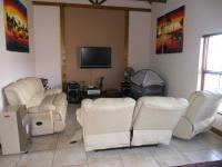 Lounges - 24 square meters of property in Eden George