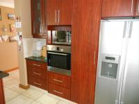 Kitchen - 24 square meters of property in Eden George