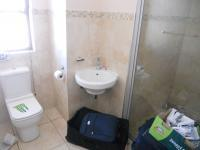 Main Bathroom - 5 square meters of property in Eden George
