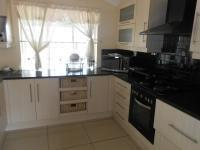 Kitchen - 26 square meters of property in Bosmont