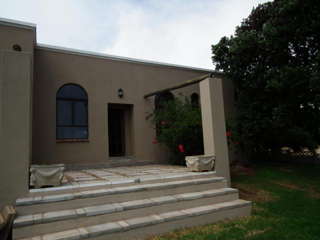 3 Bedroom House For Sale in Vredenburg - Home Sell - MR103899