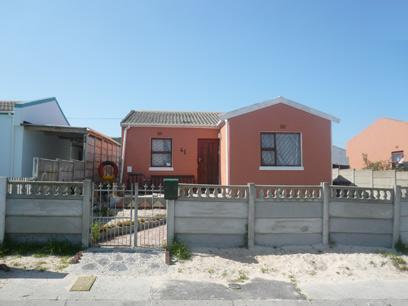 FNB Repossessed 3 Bedroom House For Sale in Mitchells Plain - MR10399