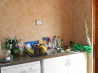 Kitchen - 10 square meters of property in Radiokop