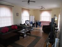 Lounges - 24 square meters of property in Uvongo