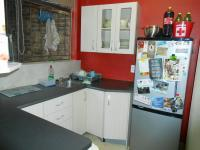 Kitchen - 8 square meters of property in Val de Grace