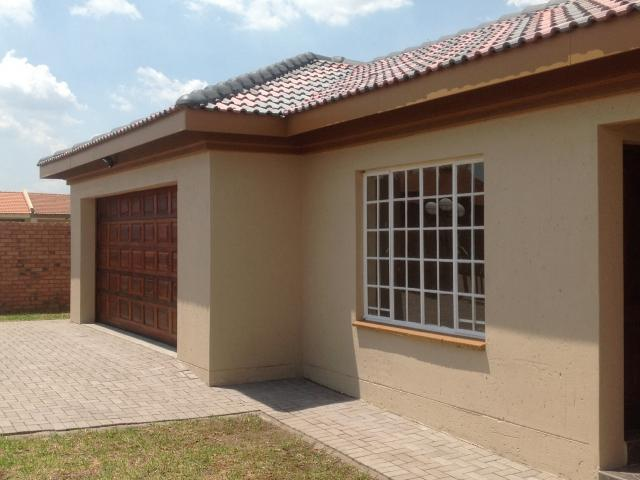 3 Bedroom Duplex for Sale For Sale in Middelburg - MP - Home Sell - MR104146