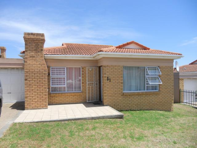 2 Bedroom House for Sale For Sale in Mossel Bay - Home Sell - MR104177