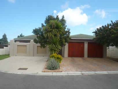 4 Bedroom House For Sale in Strand - Home Sell - MR10418