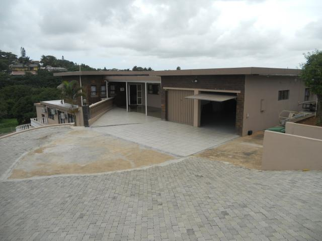 9 Bedroom House For Sale in Empangeni - Private Sale - MR104204