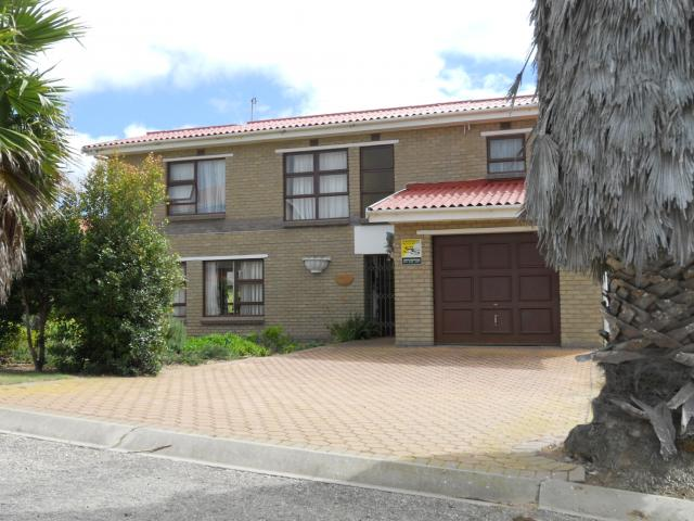 3 Bedroom House for Sale For Sale in Mossel Bay - Private Sale - MR104233
