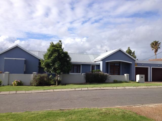 3 Bedroom House for Sale For Sale in Pacaltsdorp - Private Sale - MR104261