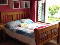 Bed Room 1 - 15 square meters of property in Pacaltsdorp