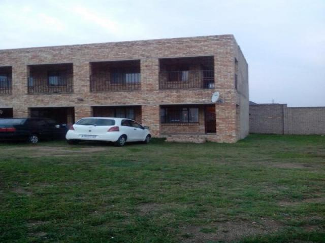 4 Bedroom Sectional Title For Sale in Eldorado Park A/H - Private Sale - MR104330