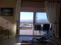 Lounges of property in Gordons Bay