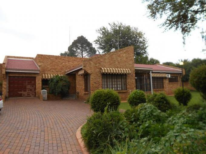 3 Bedroom House for Sale For Sale in Benoni - Private Sale - MR104412
