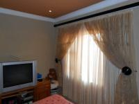 Bed Room 2 - 14 square meters of property in Germiston