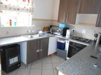 Kitchen - 14 square meters of property in Monavoni