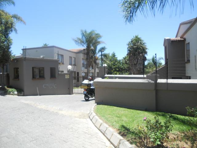 2 Bedroom Sectional Title for Sale For Sale in Randparkrif - Home Sell - MR104447