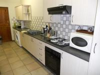 Kitchen - 12 square meters of property in George East
