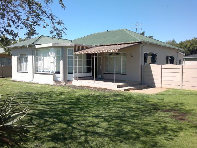 3 Bedroom House for Sale For Sale in Randfontein - Private Sale - MR104511