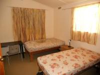 Bed Room 1 - 15 square meters of property in Hibberdene