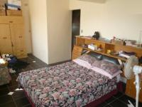 Bed Room 1 - 25 square meters of property in Parow Central