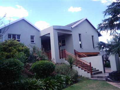 4 Bedroom House to Rent To Rent in Constantia Kloof - Private Rental - MR10458