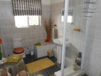 Bathroom 2 - 5 square meters of property in Porterville
