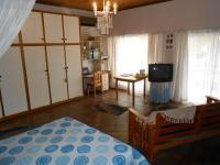 Main Bedroom - 40 square meters of property in Porterville