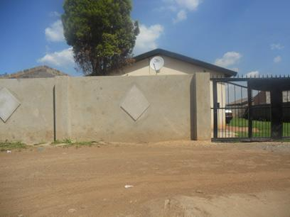 Standard Bank Repossessed 3 Bedroom House on online auction in Roodekop - MR10464