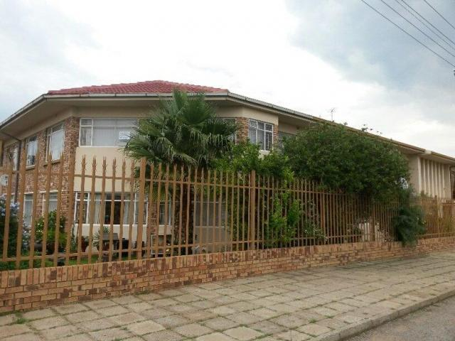 2 Bedroom Apartment For Sale in Randfontein - Home Sell - MR104645