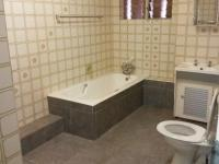 Main Bathroom of property in Randfontein