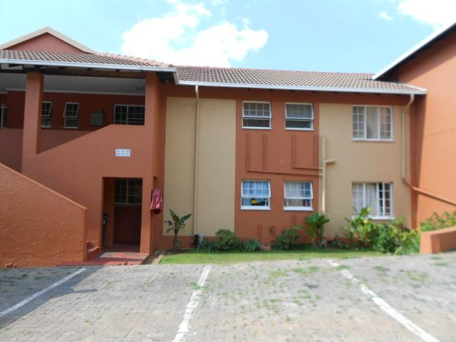 2 Bedroom Sectional Title for Sale For Sale in Weltevreden Park - Home Sell - MR104677