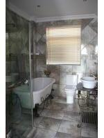 Bathroom 2 - 6 square meters of property in Kosmos