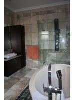 Main Bathroom - 15 square meters of property in Kosmos