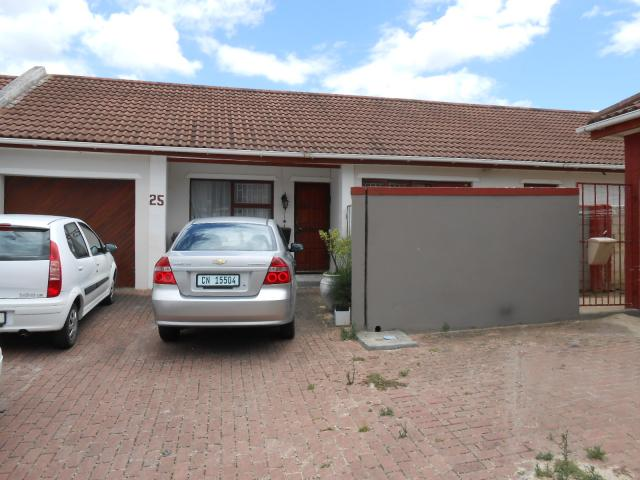 3 Bedroom House for Sale For Sale in Gordons Bay - Home Sell - MR104689