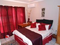 Main Bedroom - 16 square meters of property in Gordons Bay
