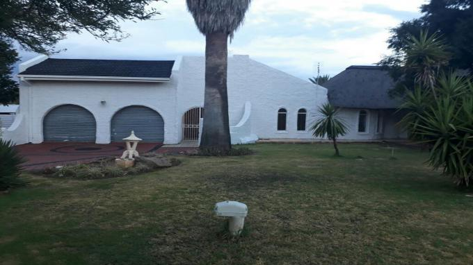 4 Bedroom House for Sale For Sale in Klerksdorp - Private Sale - MR104694
