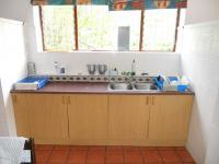 Kitchen - 31 square meters of property in Heatherlands