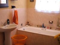 Bathroom 1 of property in Agulhas
