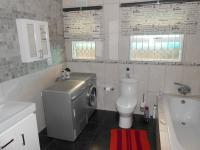Bathroom 1 - 12 square meters of property in Eerste Rivier